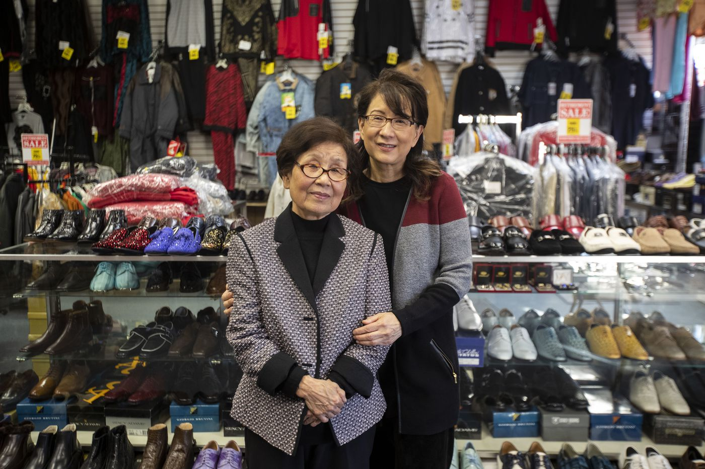 After 40 years of flashy suits and velvet loafers, Kim's Clothing in Germantown is closing