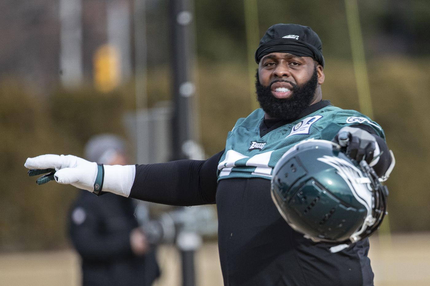 Eagles, Jason Peters agree to one-year contract that will move him to guard