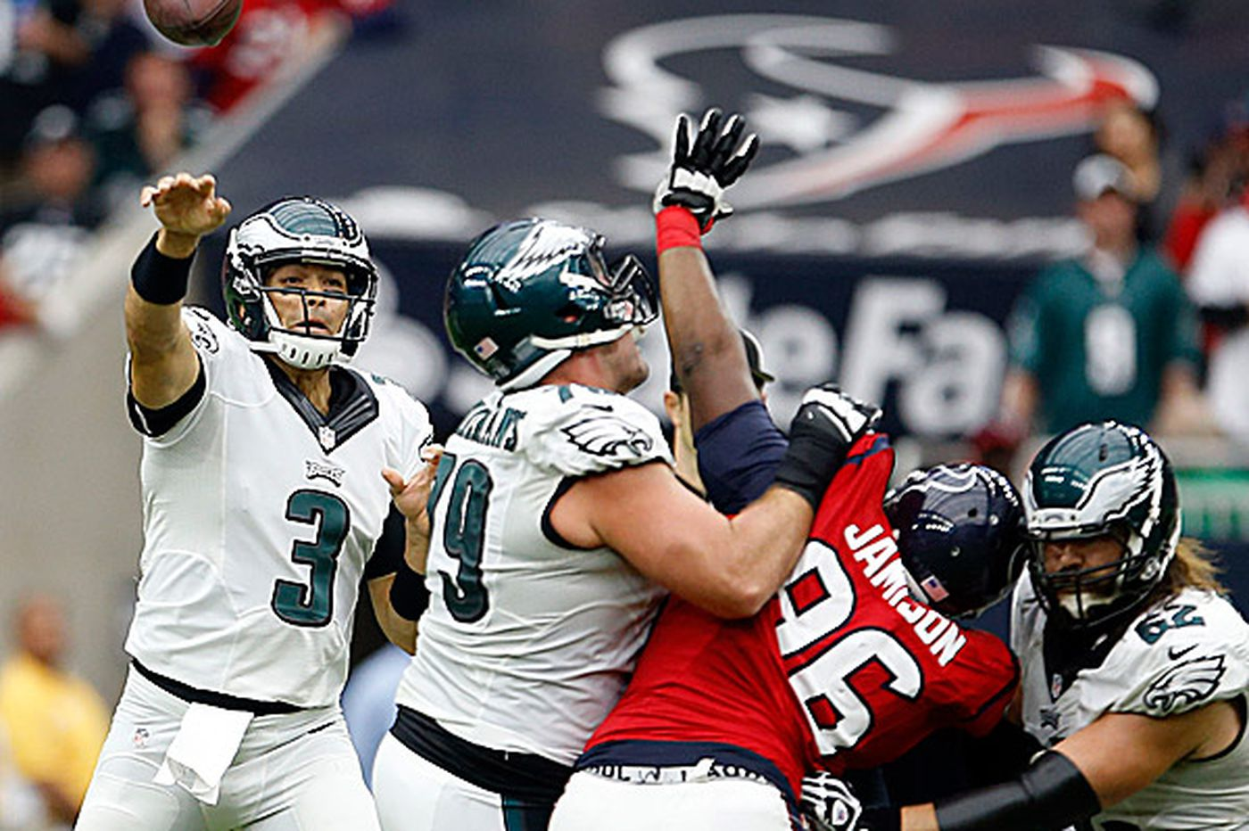 With Foles out 6-8 weeks, Eagles offense belongs to Sanchez