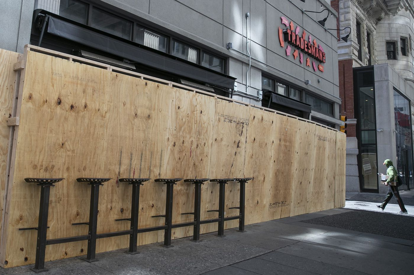 'It looks like hell.' Coronavirus has Philly businesses boarding up as if bracing for a hurricane