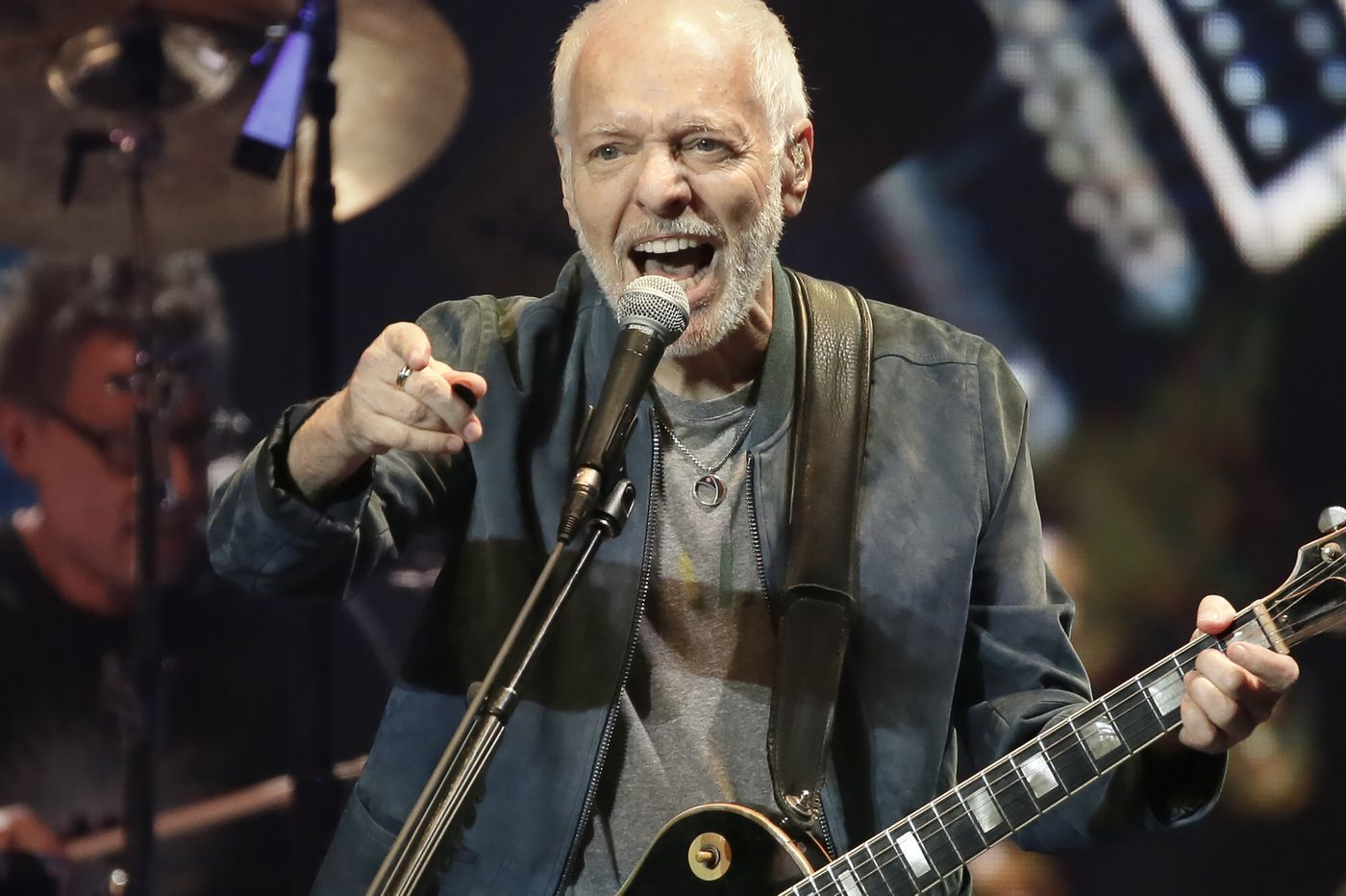 Peter Frampton plays his last Philly show at the Met before retirement