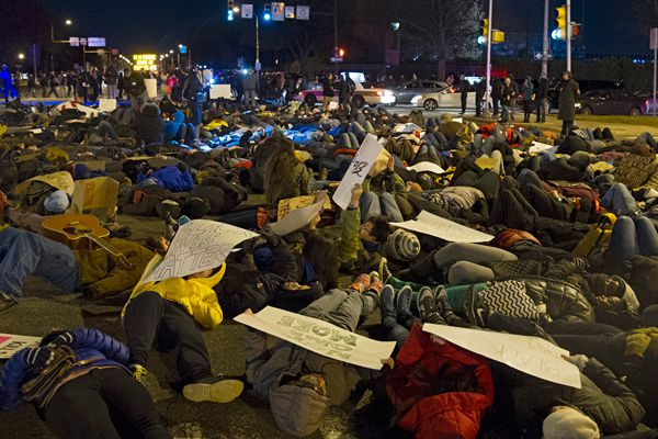 """Die-in"" by 200 protesters is peaceful after Eagles game, despite taunts"