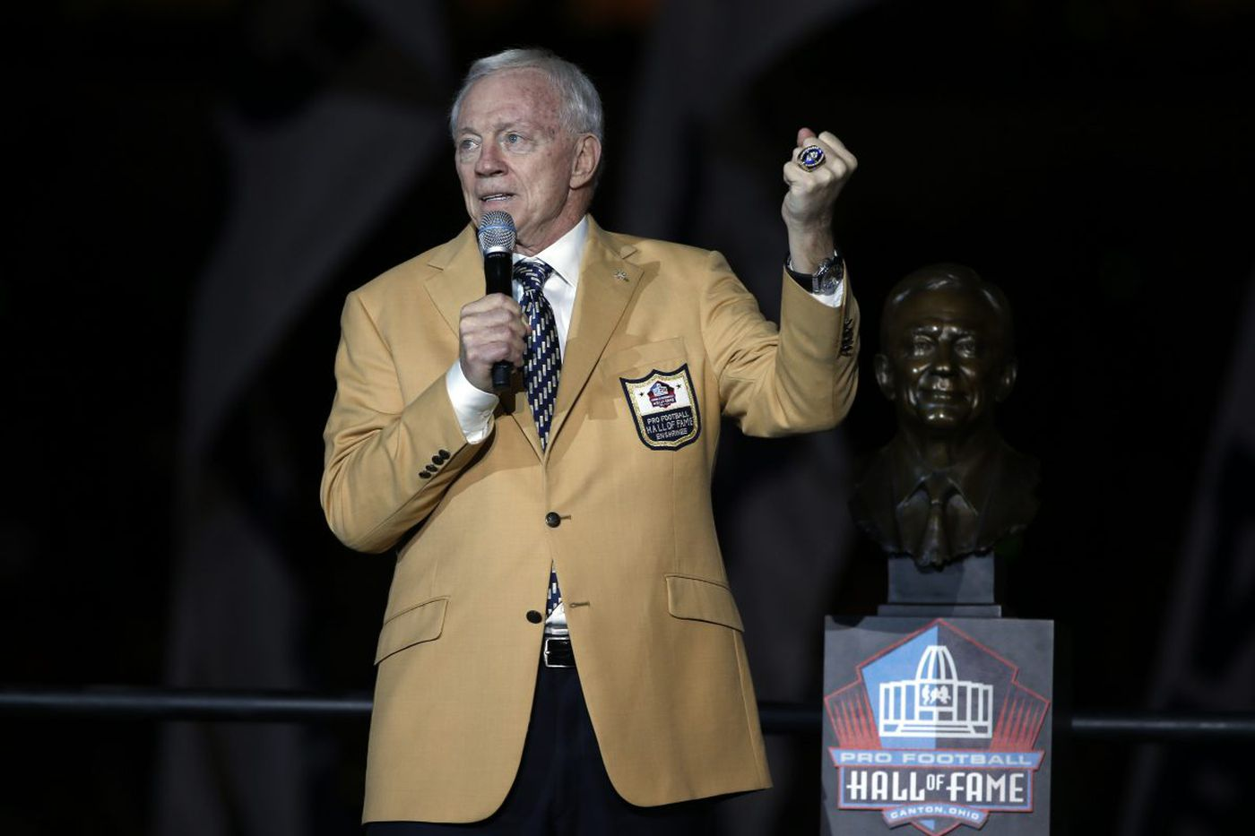 Cowboys owner Jerry Jones seems deflated after loss to Eagles   Marcus Hayes