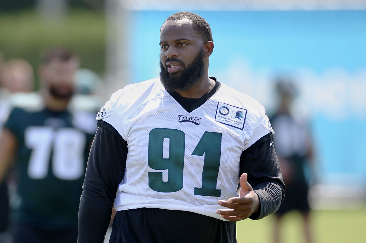 Eagles' Fletcher Cox on 911 call during alleged burglary attempt: 'I'm about to blow his brains out right now.'