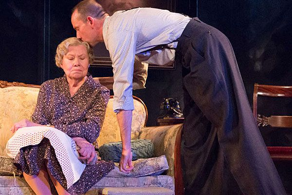 This 'Glass Menagerie' gleams with empathy