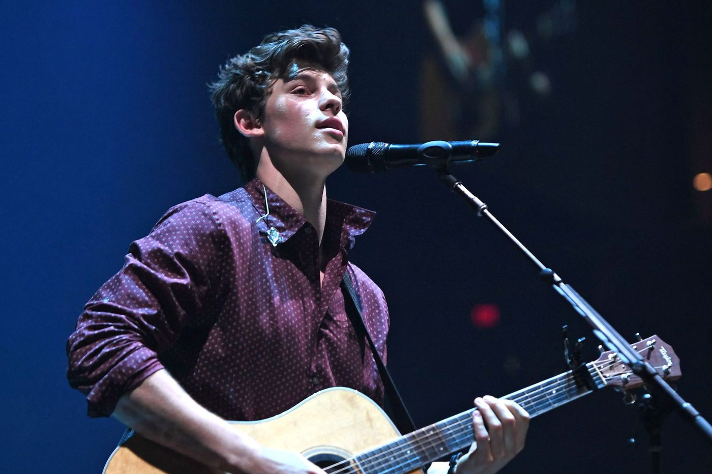 Shawn Mendes is performing a free concert in Philly because the Eagles won the Super Bowl