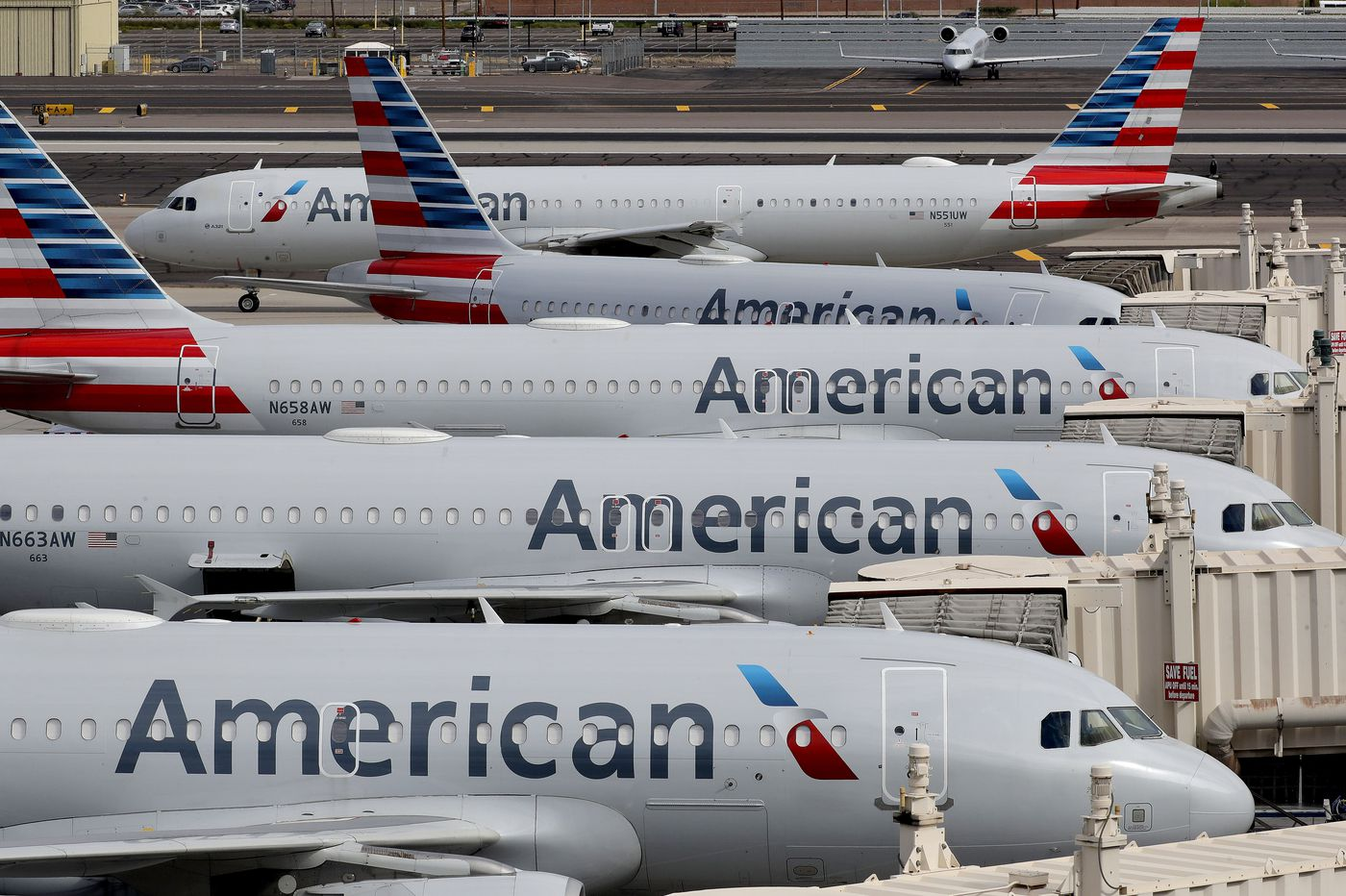 American Airlines warns 25,000 workers they could lose jobs