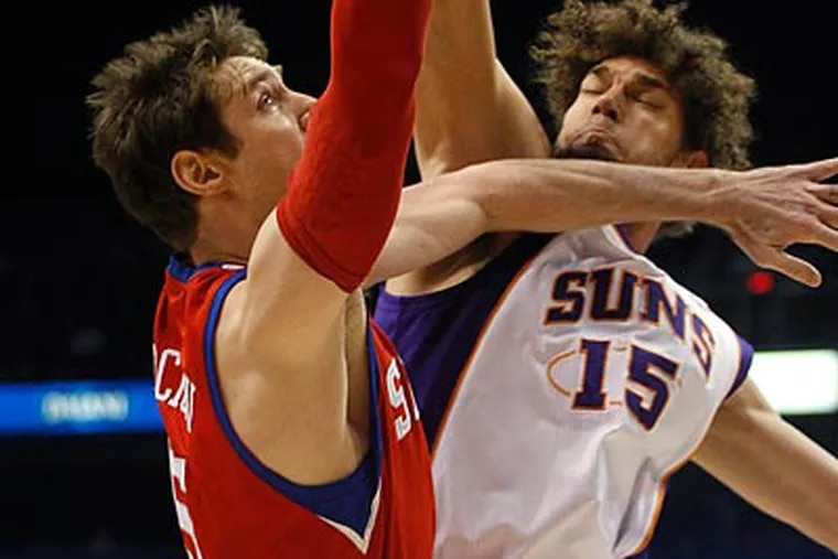 The 76ers shot 54.9 percent from the floor in their win over the Suns last night. (Rick Scuteri/AP)