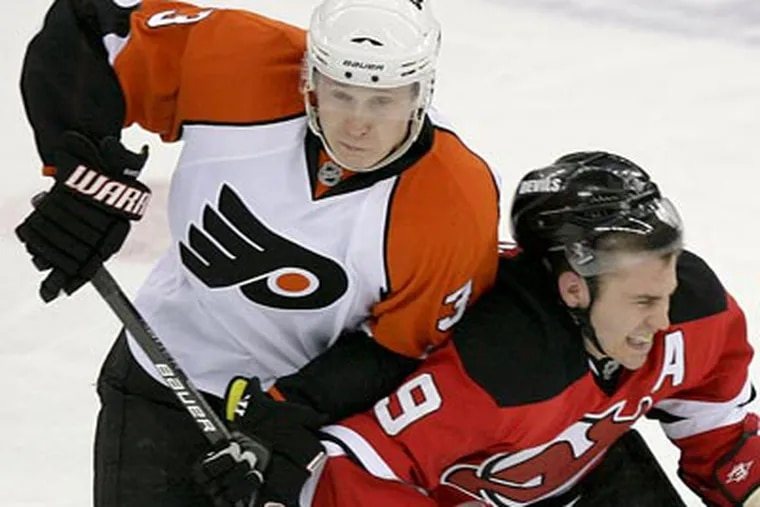Flyers' Oskars Bartulis will have to fill in for the injured Chris Pronger. (Yong Kim / Staff File Photo)