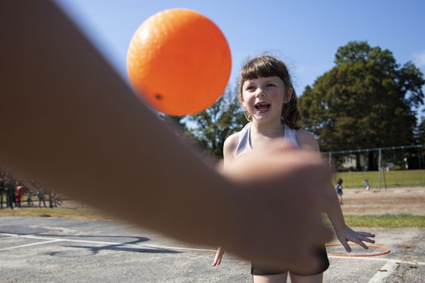 No more dodgeball: 'Dr. Recess' teaches Abington students how to play games