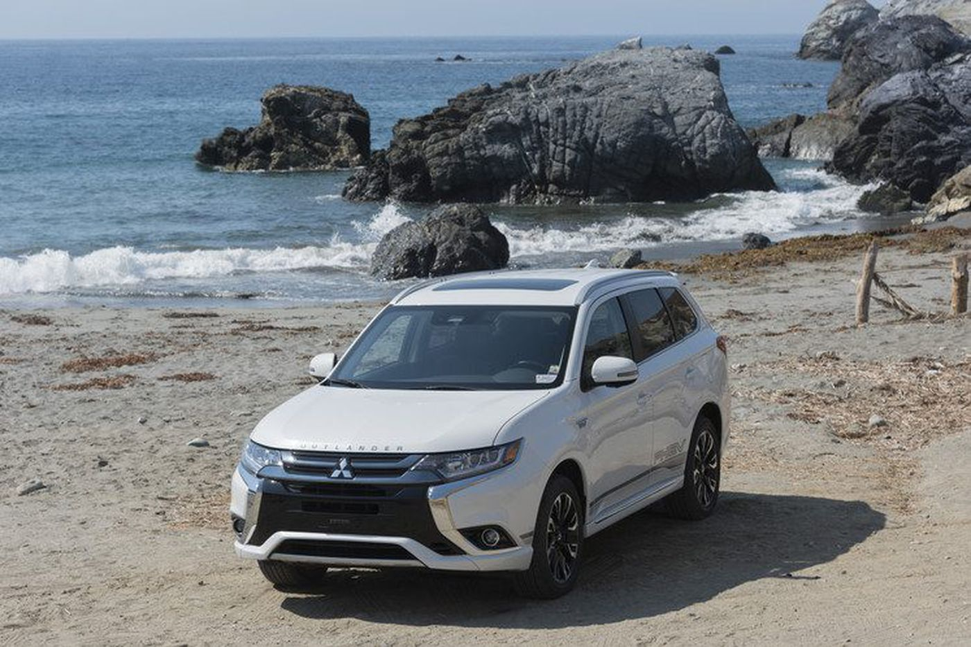 Where are the electric SUVs? Automakers ignore what buyers want