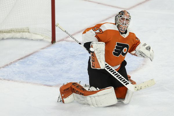 Flyers goalie Brian Elliott has outplayed Carter Hart | Five observations