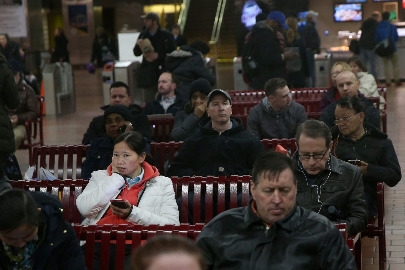 Philly commuters stranded as storm causes transportation woes