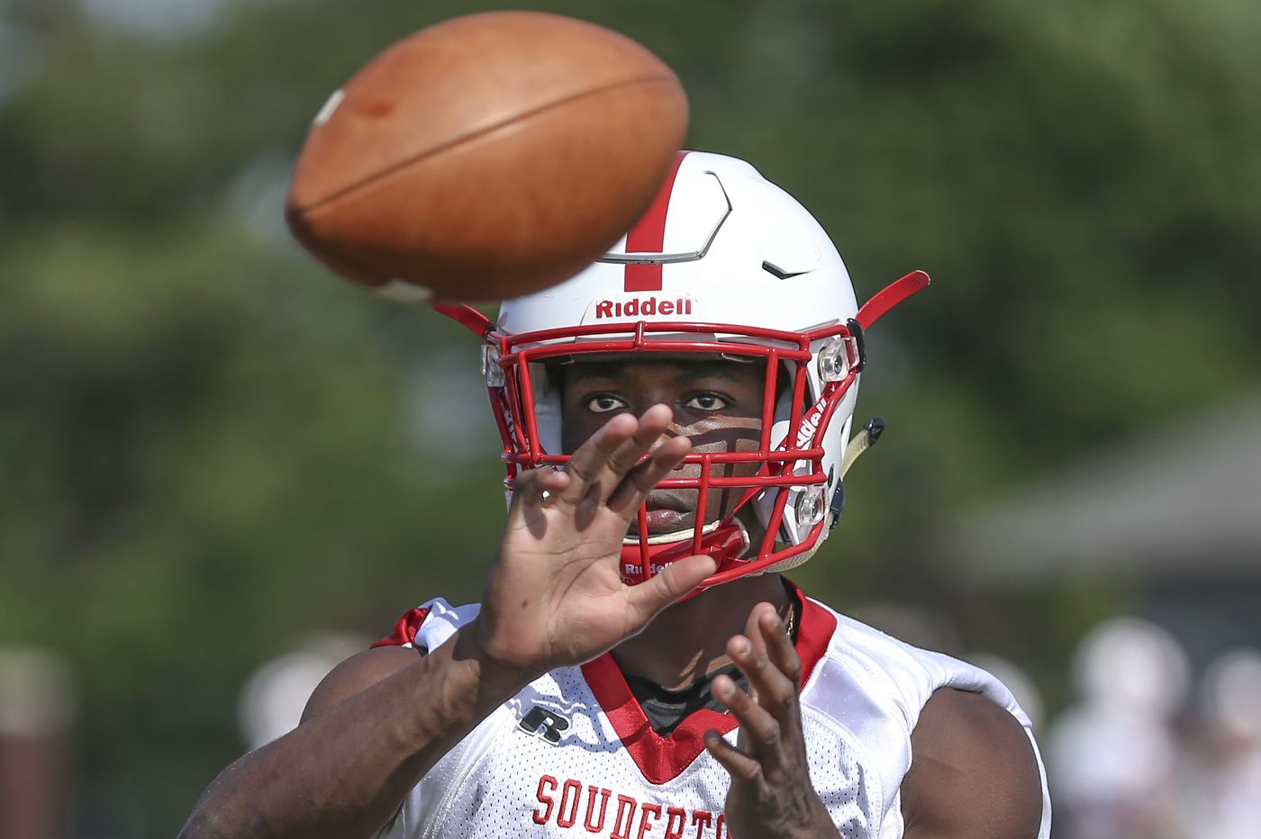 Football recruiting: Souderton star DeAndre Wakefield is determined to collect more college offers