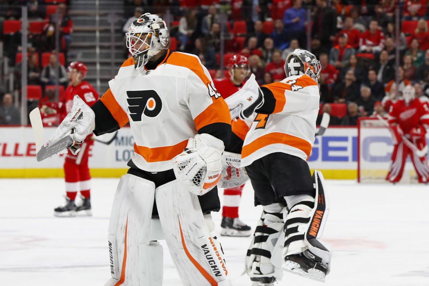 Red Wings 5, Flyers 4: Philly again plays down to its competition