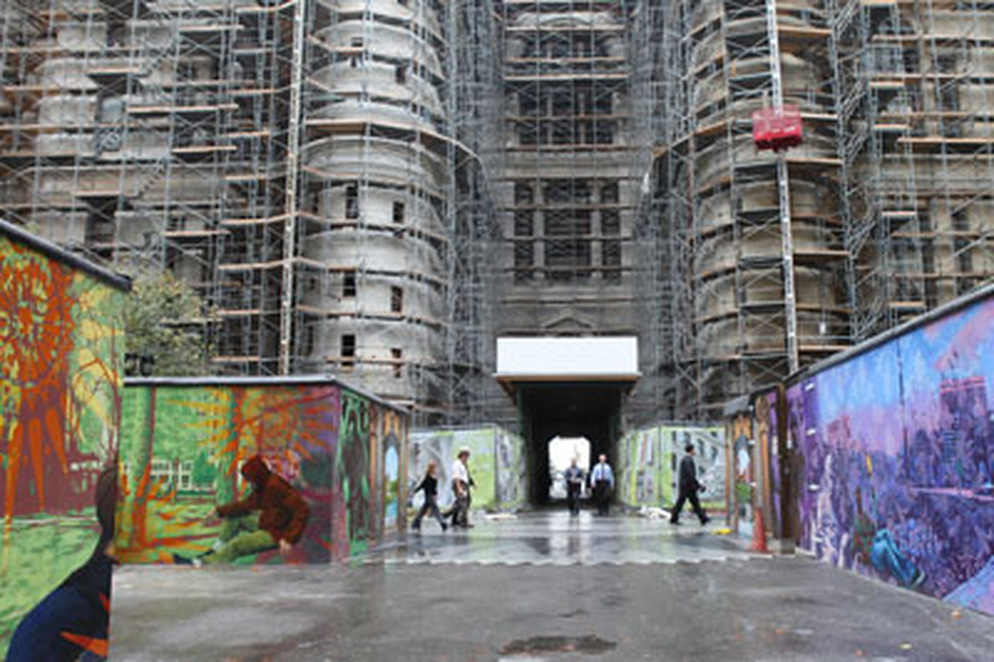 Artwork spruces up City Hall construction zone