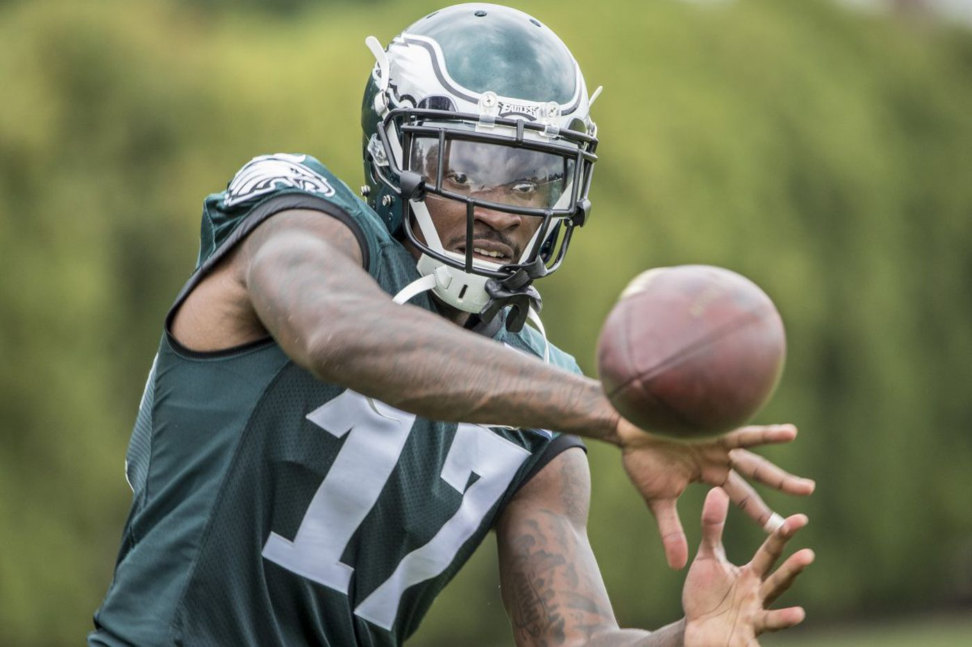 Full squad returns; an early look at the depth chart; Barnett battles Peters