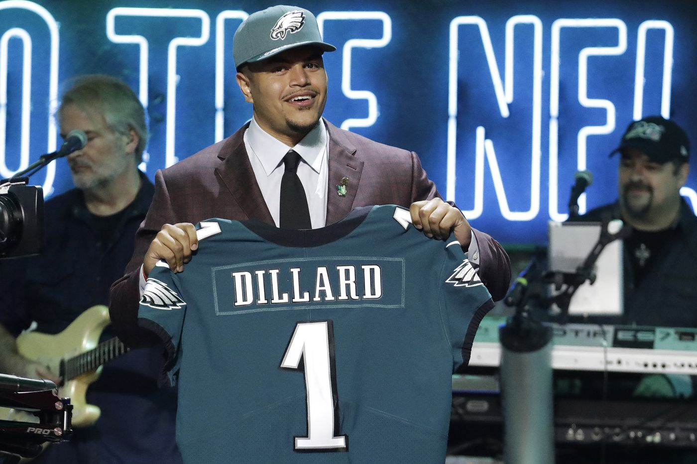 NFL draft: Eagles trade up, select Andre Dillard with 22nd pick