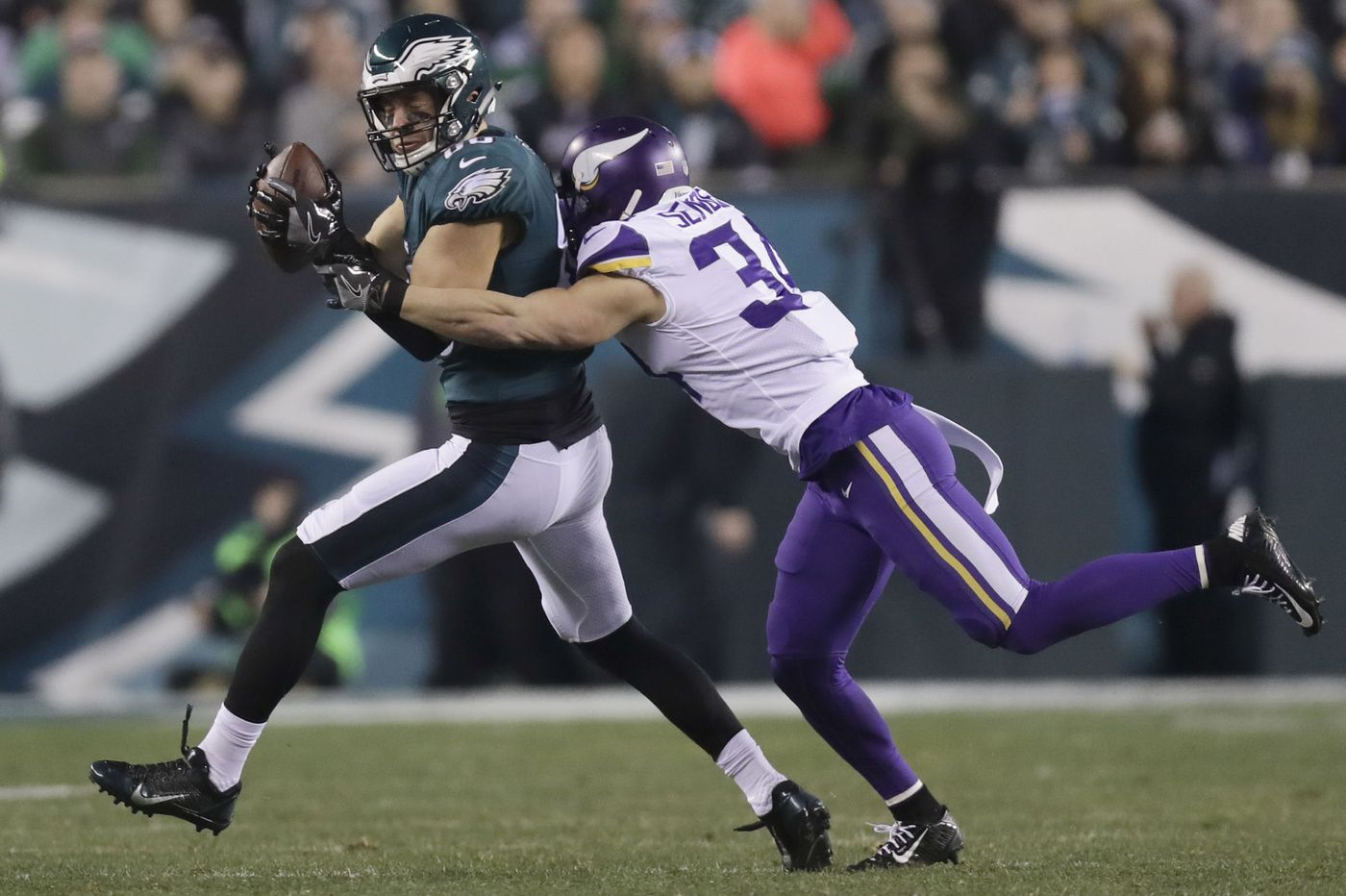 Andrew Sendejo eager to meet Philly fans as an Eagle, after experiencing them as a Viking
