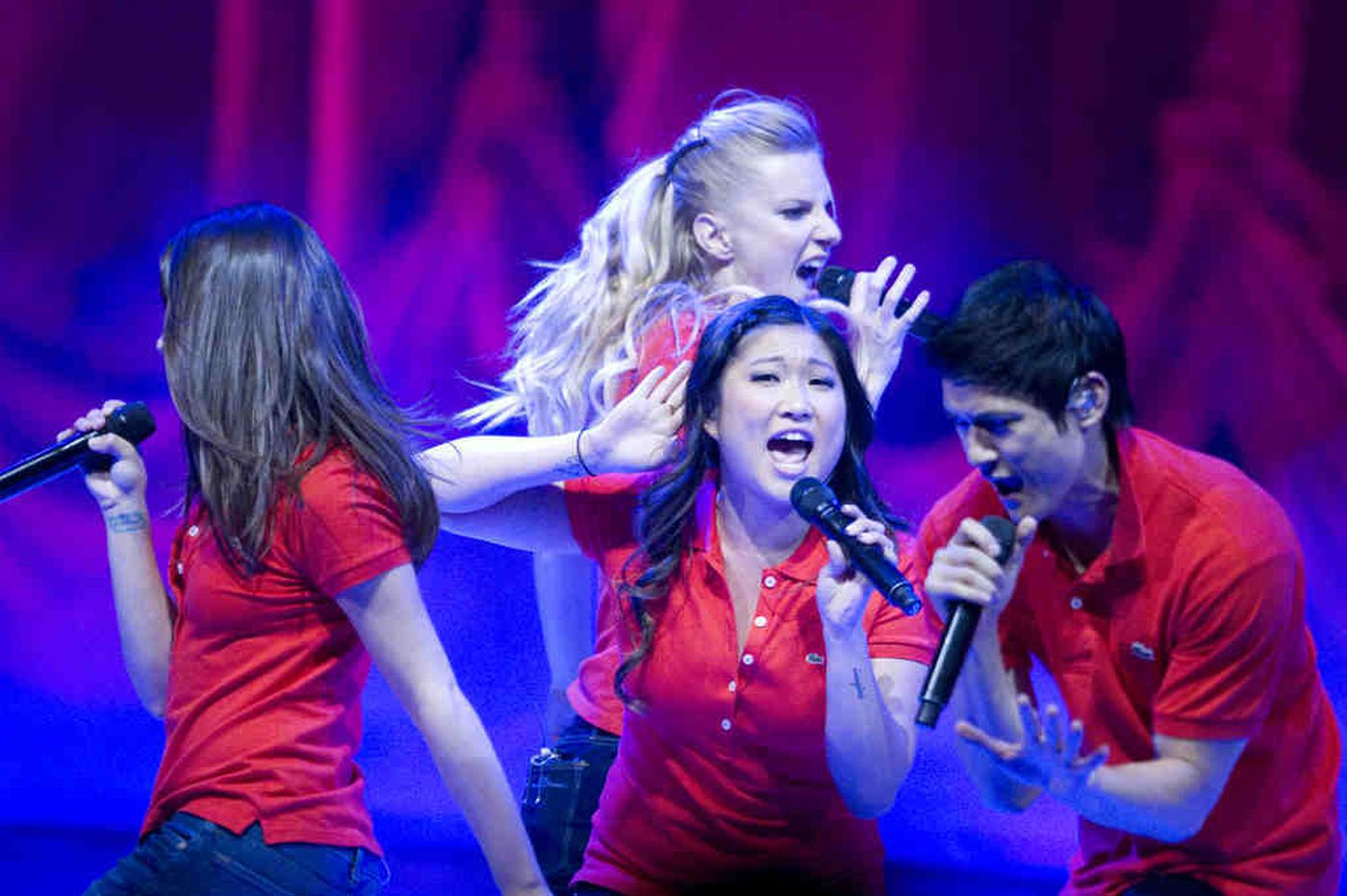 'Glee' on TV becomes 'Glee Live!' at Wells Fargo