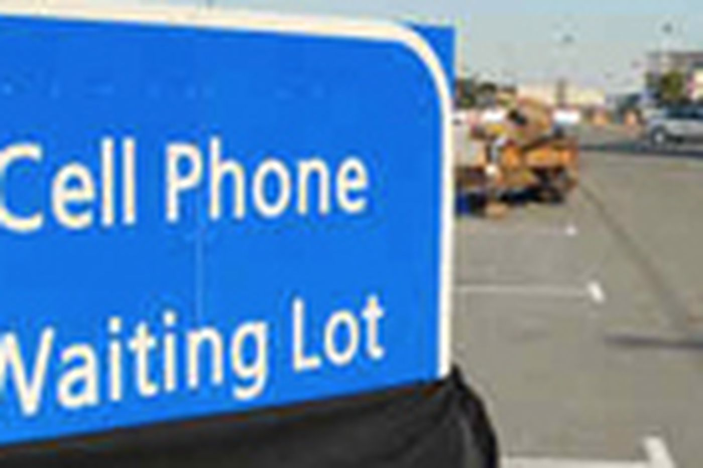 New airport cell-phone waiting lot to open