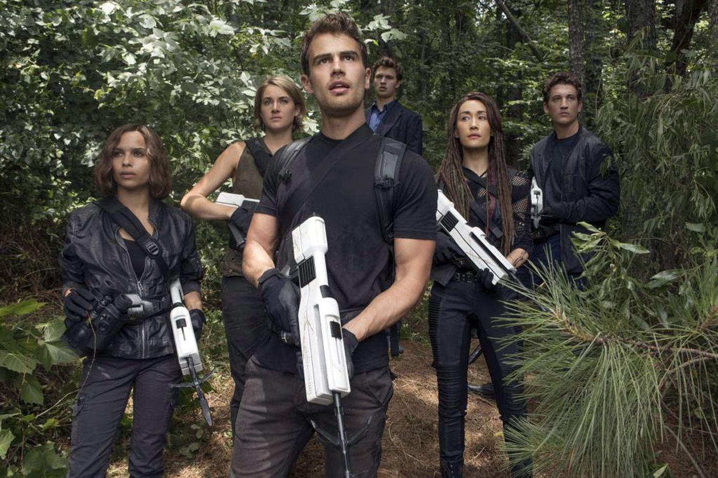 'The Divergent Series: Allegiant - Part 1': Place-filler third installment full of clichés
