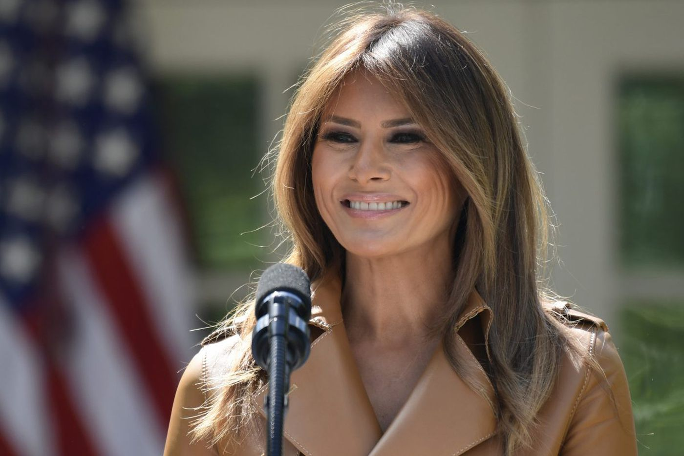 First lady's plane lands safely after mechanical issue