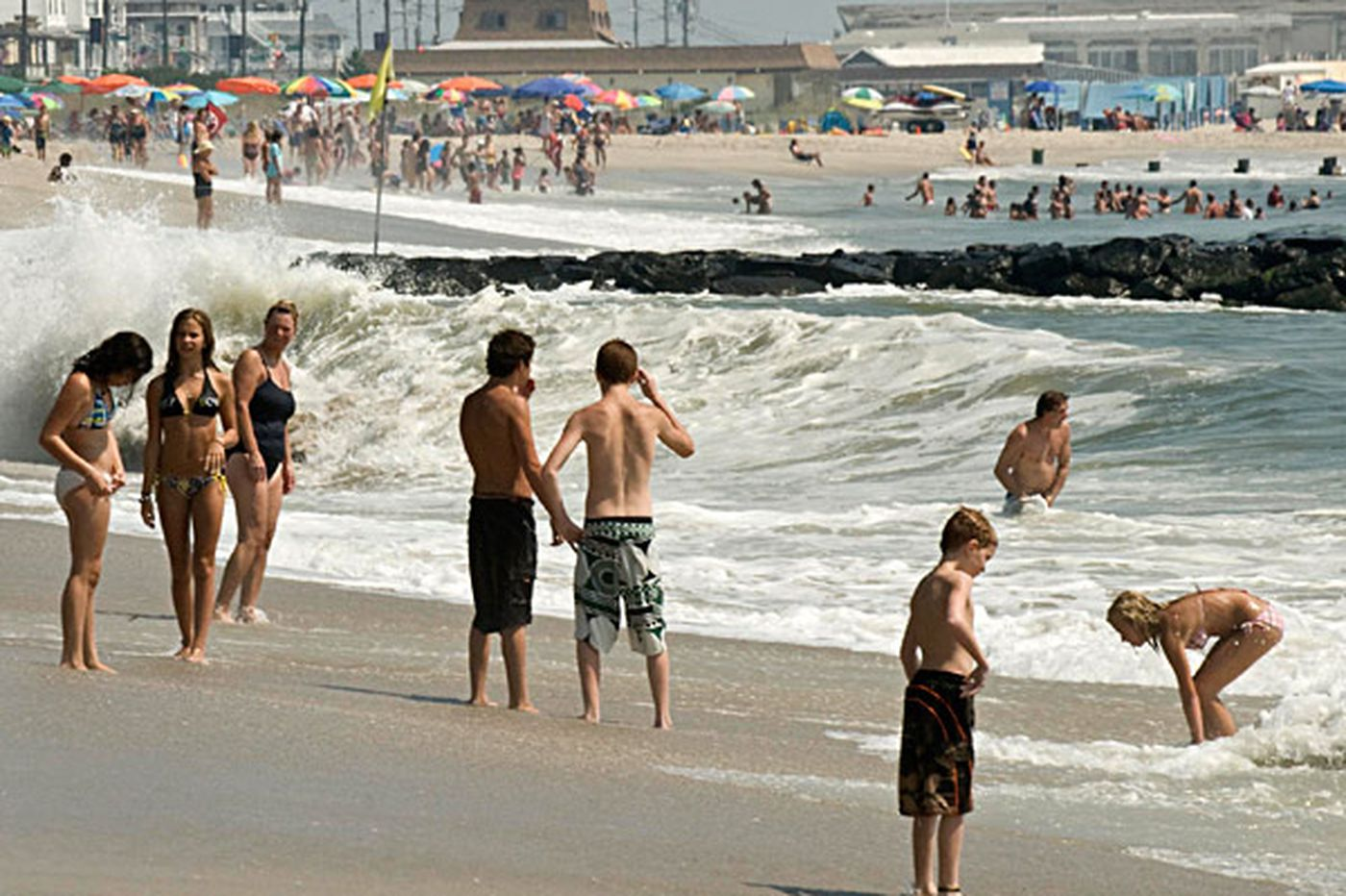 Inquirer Editorial: Shore towns shouldn't be in charge of the beaches