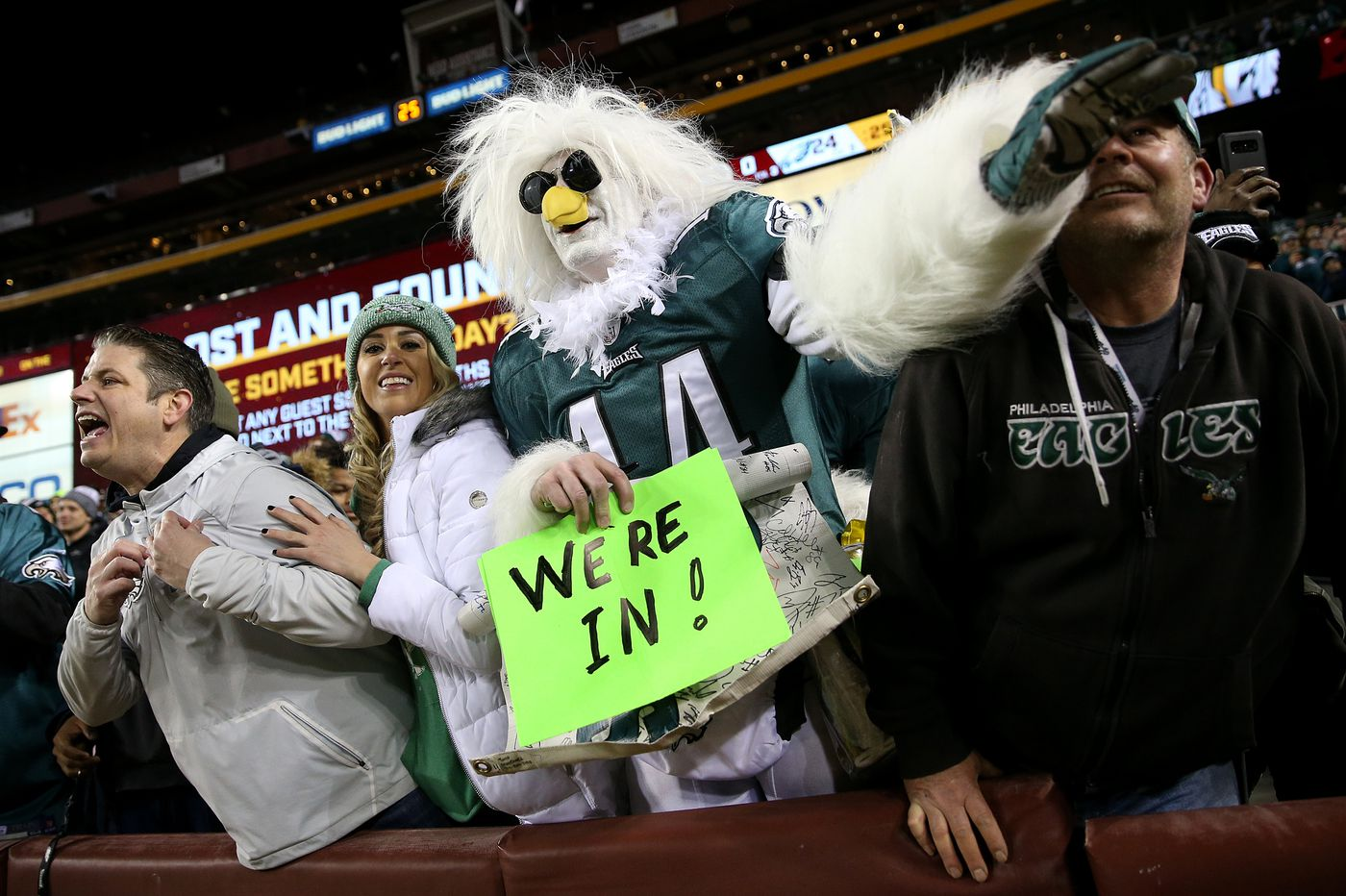 NFL playoff chase: Eagles sneak in, open as touchdown underdog to Chicago, KC top seed in AFC