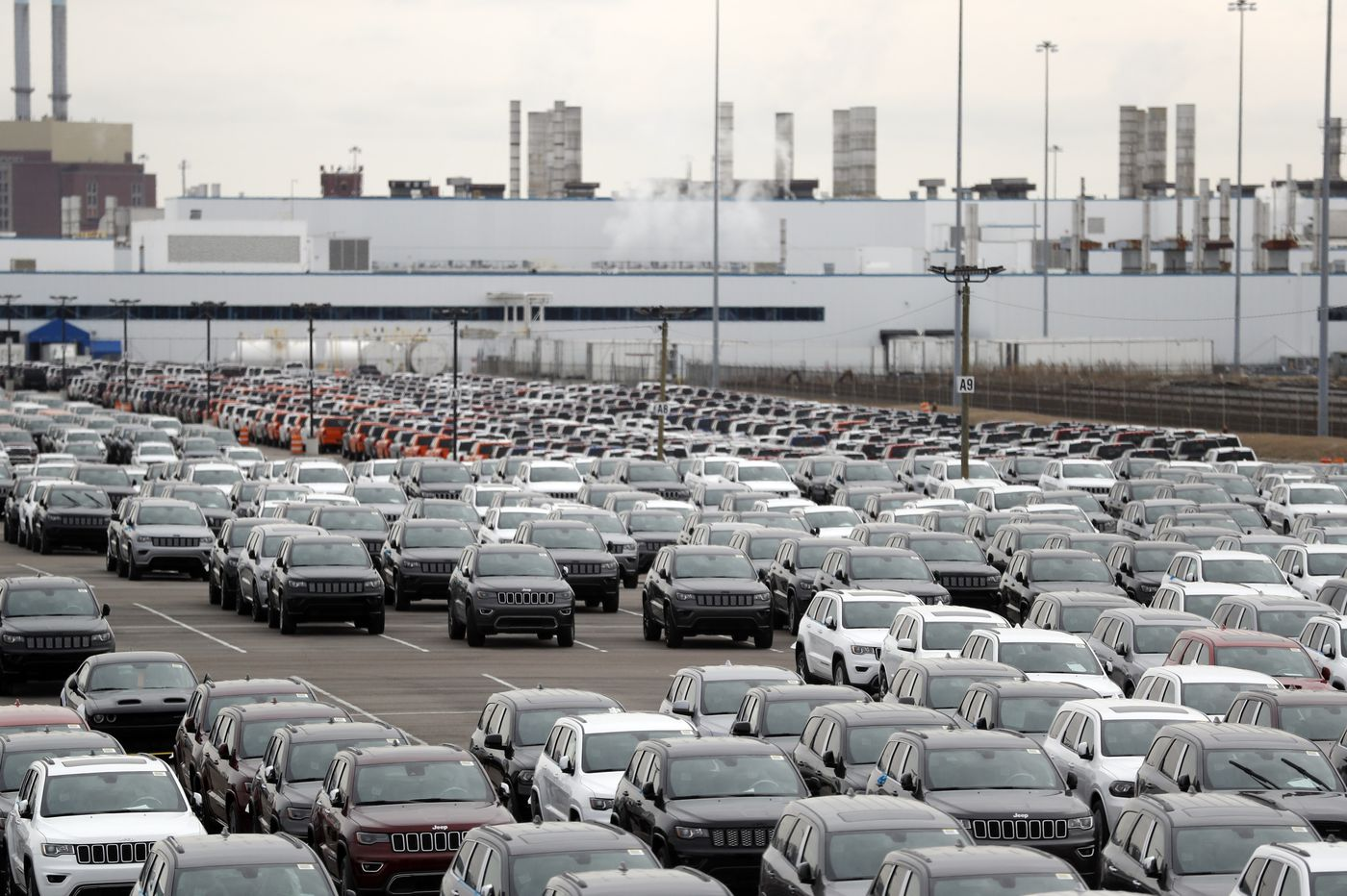UAW workers vote to authorize strikes against GM, Ford, and Fiat Chrysler