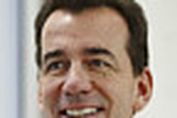 AstraZeneca CEO stepping down