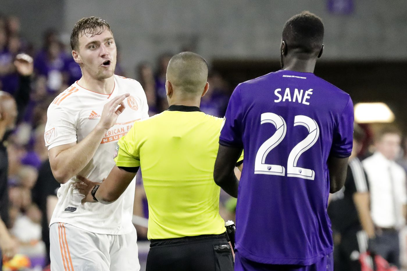 MLS lets Atlanta United's Julian Gressel off the hook for face slap, angering Union and others