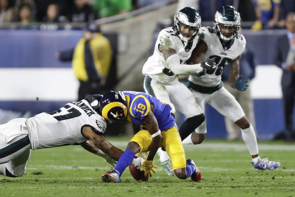 Eagles' defense made the big plays that mattered in limiting Todd Gurley, Rams' potent attack