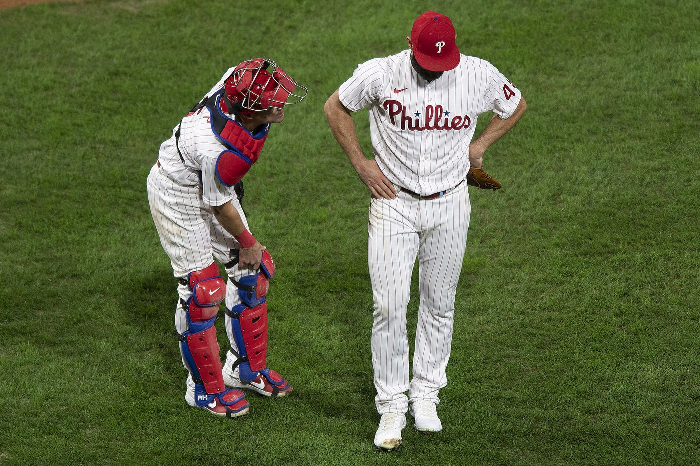 Phillies snap three-game losing streak with 4-1 win over Mets but lose Jake Arrieta to hamstring injury
