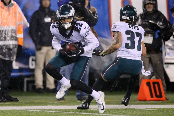 Grading the Eagles on their 34-17 NFC East-clinching win over the Giants | Paul Domowitch