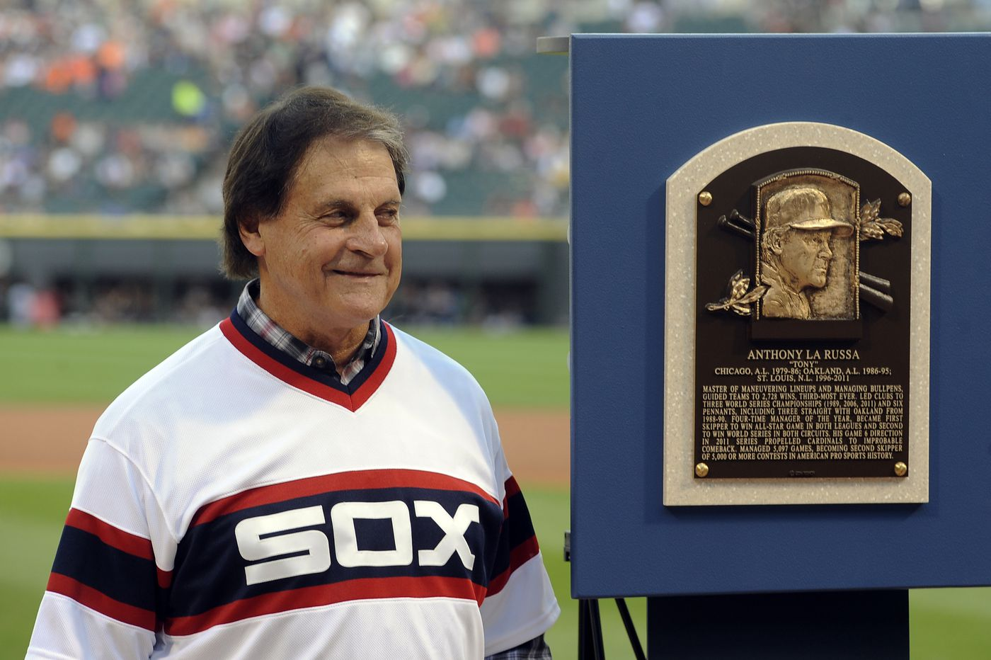 White Sox hire Tony La Russa as next manager, Jack Nicklaus and Jay Cutler endorse Donald Trump, and more sports news