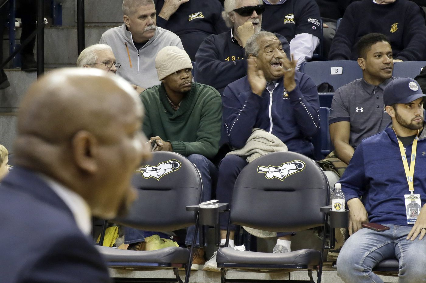 La Salle coach Ashley Howard and his father Mo, and a conversation about pain | Mike Jensen