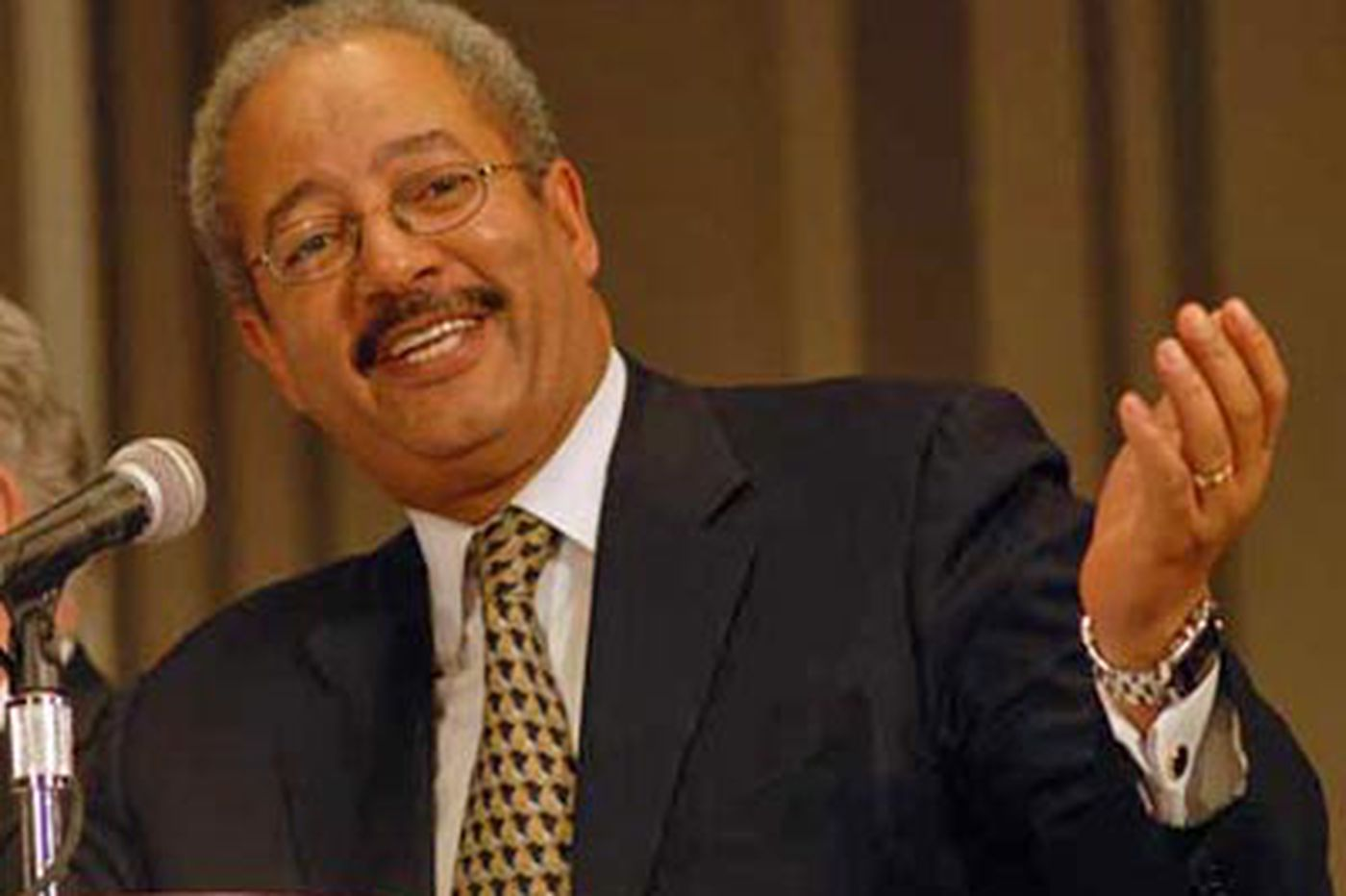 Justice Dept. questions spending by Fattah-linked nonprofit
