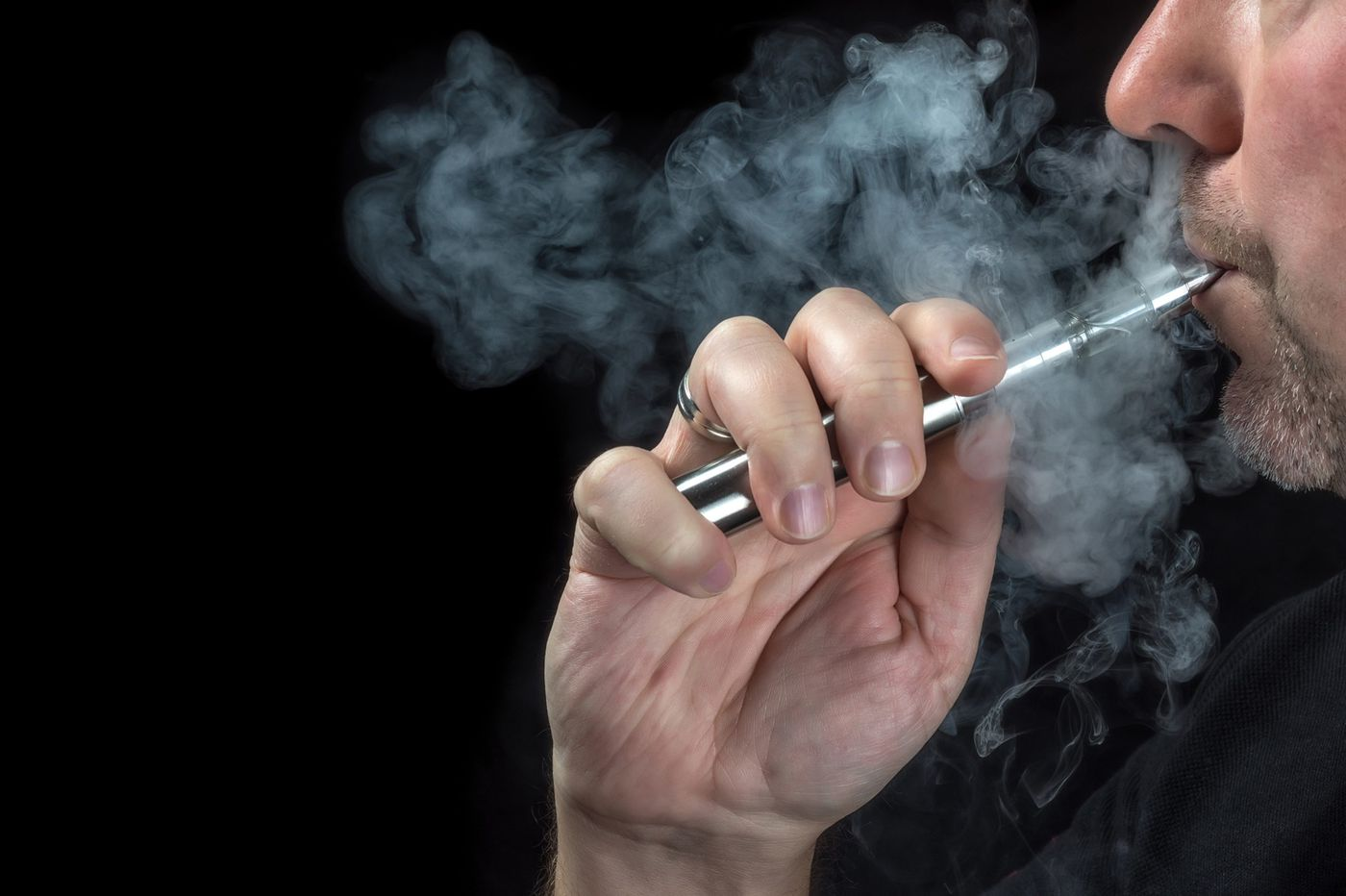 E-cig manufacturer warned for selling liquids containing erectile dysfunction drugs