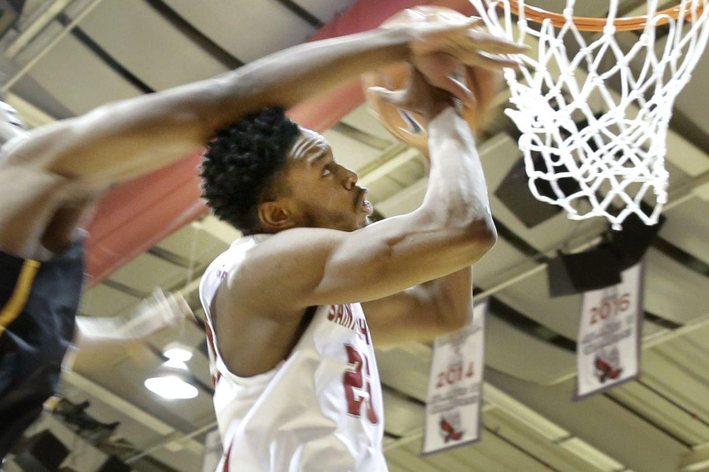 St. Joseph's looks to rebound against St. Louis