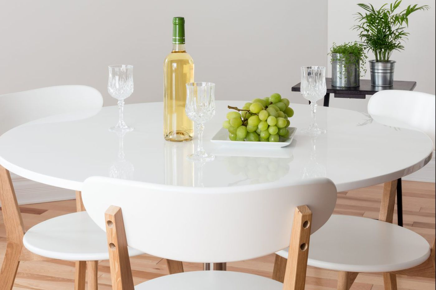 Ask Jennifer Adams: How to choose the right round dining table