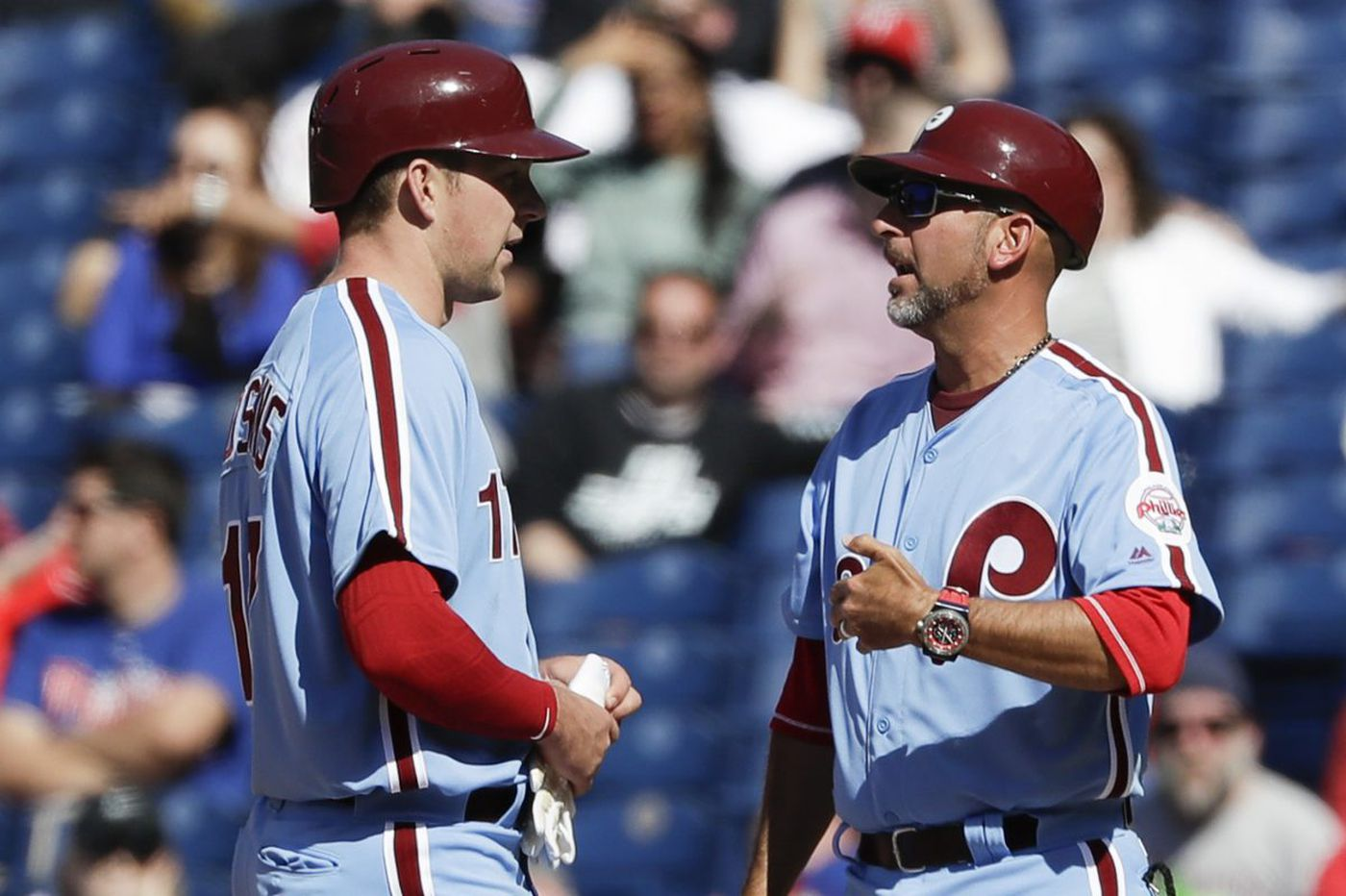 Phillies first-base coach Jose David Flores is hired by the Orioles