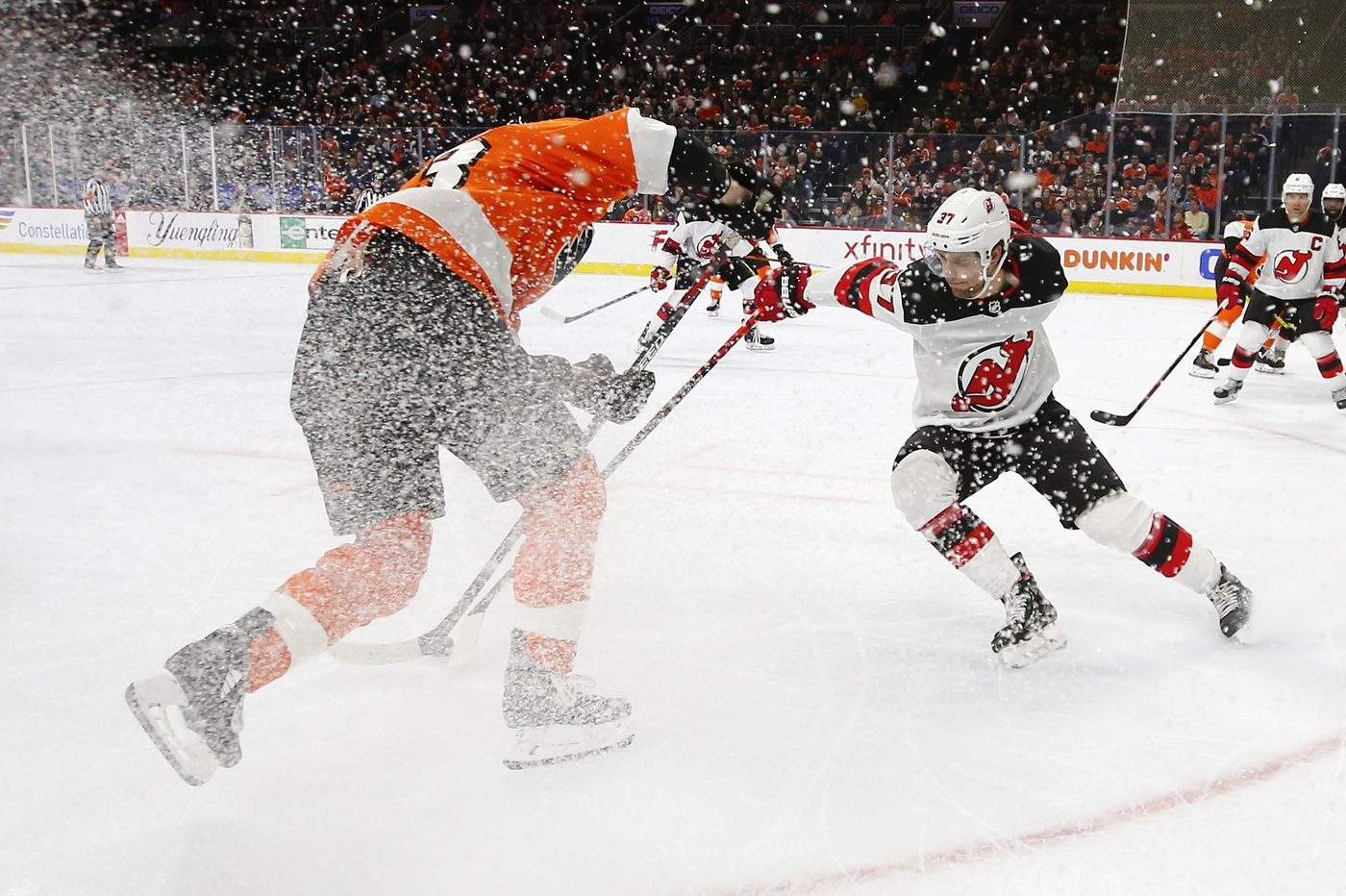 Problems for Flyers continue even after lopsided loss to New Jersey Devils