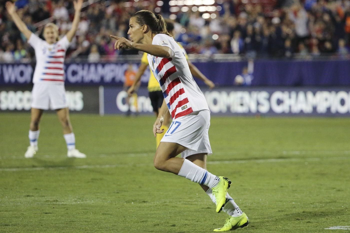 Tobin Heath stars as U.S. women's soccer team qualifies for World Cup with 6-0 win over Jamaica