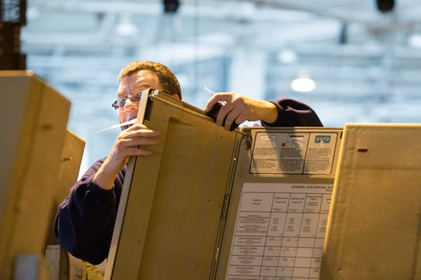 Philadelphia starts an election recount of 4 percent of divisions