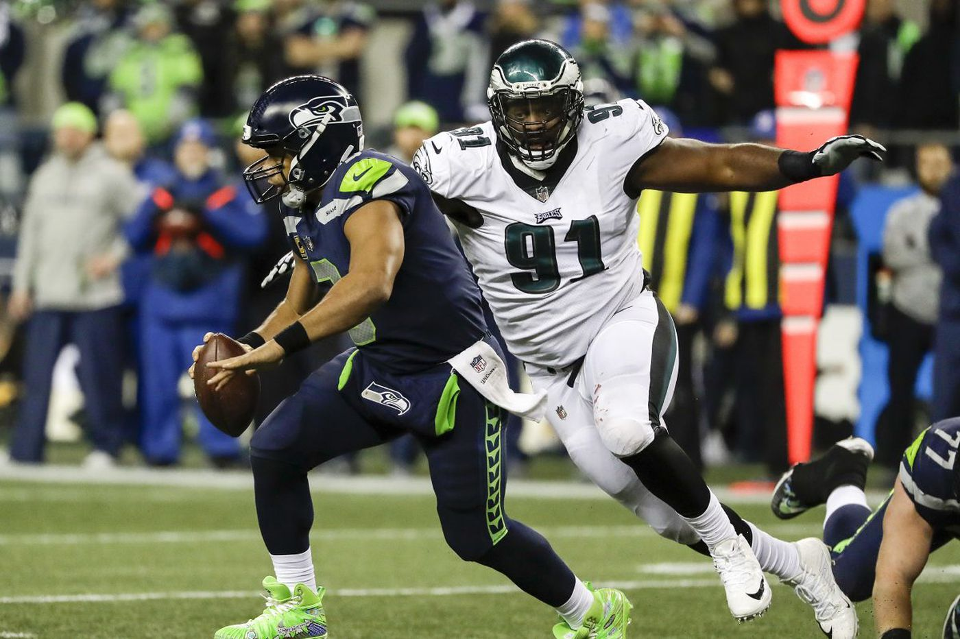 Russell Wilson's scrambling caused big problems for Eagles defense
