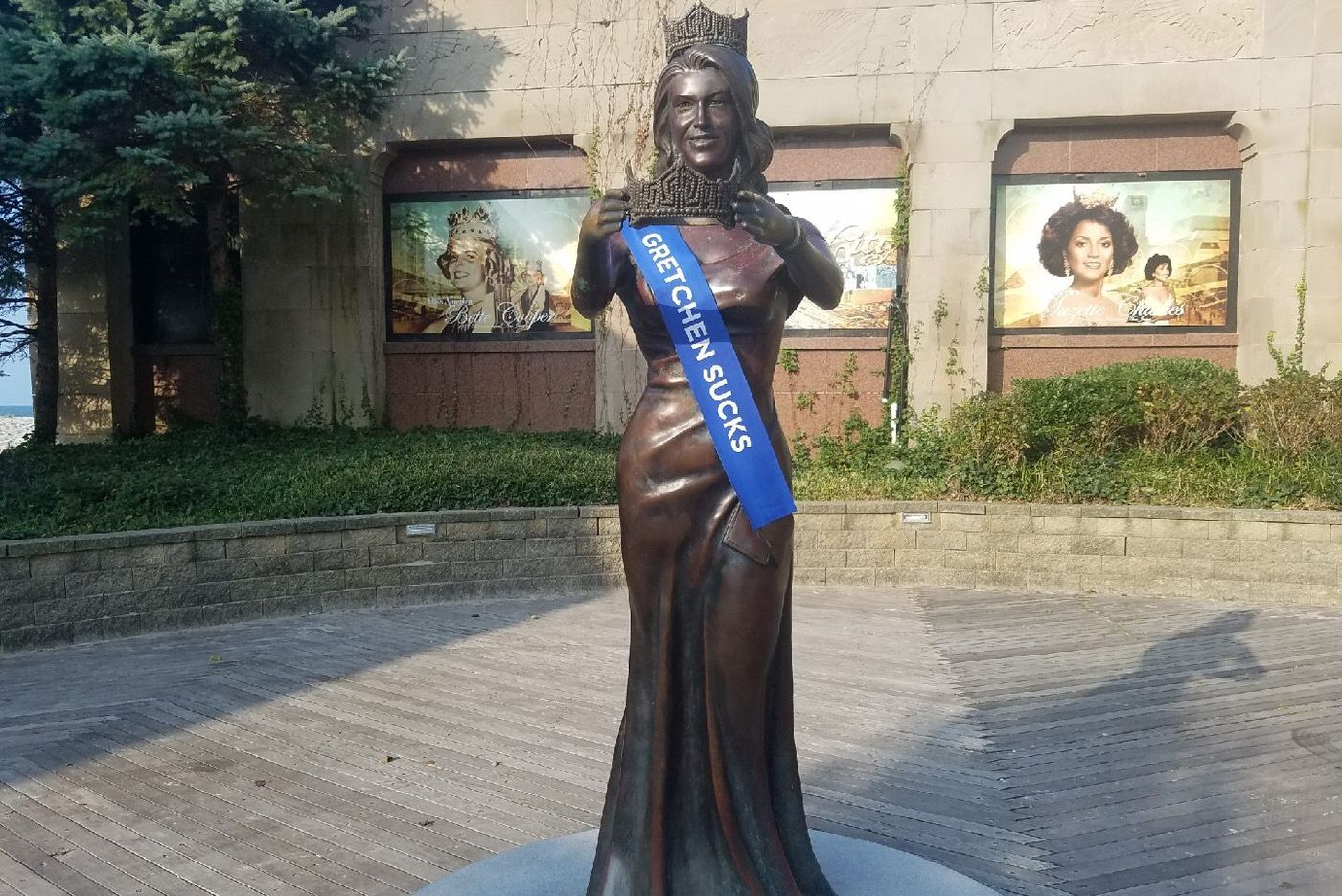 'Gretchen Sucks' sash placed on Miss America statue in Atlantic City; police investigating