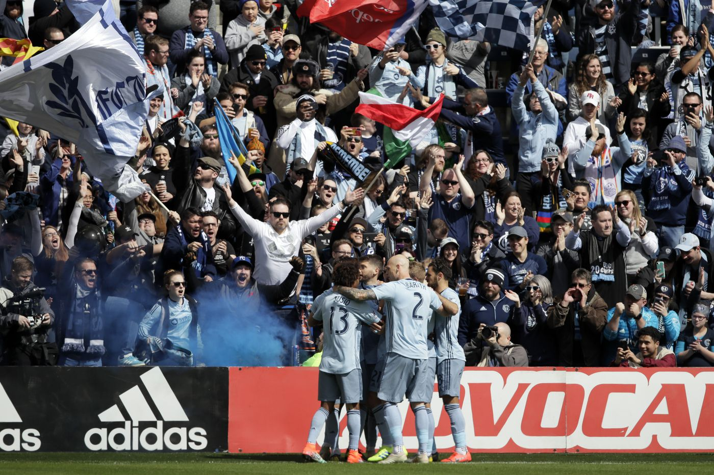 Union lose 2-0 at Sporting Kansas City, and lose Marco Fabián to red card