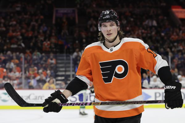 Flyers' Nolan Patrick gives mixed signals on battle with migraines; expects to play this season