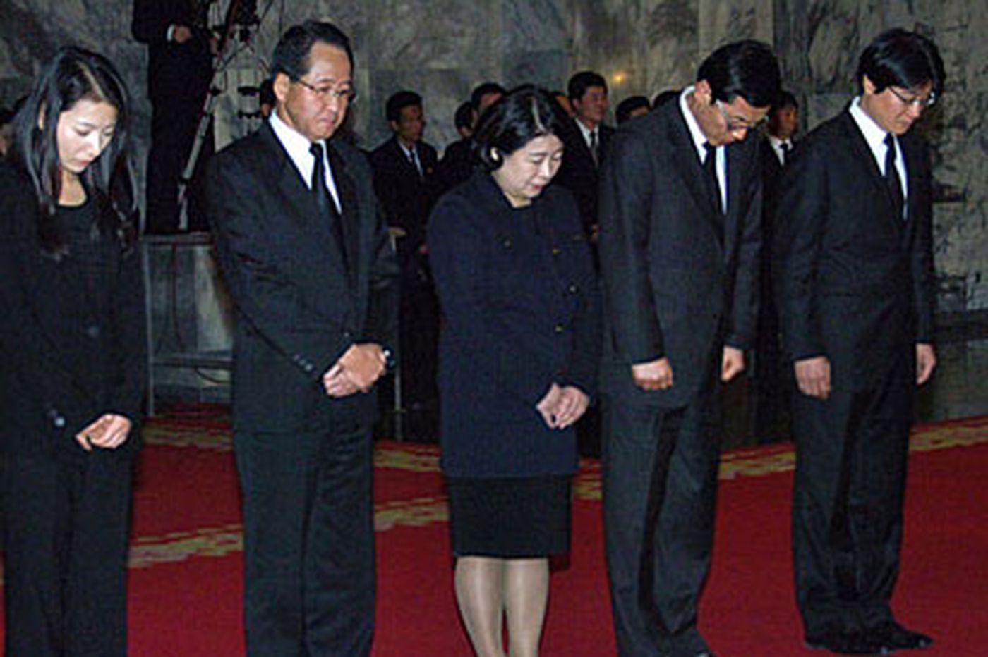 Kim Jong Un meets S. Koreans
